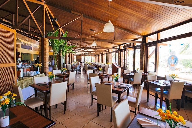 Restaurante Galés detalhes mesas postas